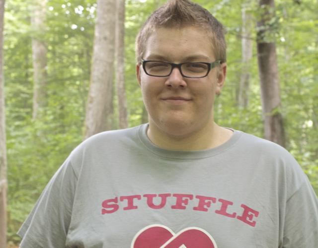 Alex_Mammut im Stuffle-Shirt, von denen ihr eines gewinnen könnt